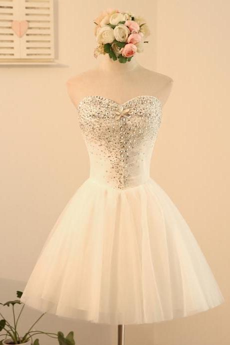 Short A-Line Scoop Neck Tulle Lace-Up Appliques Lace Homecoming Dresses