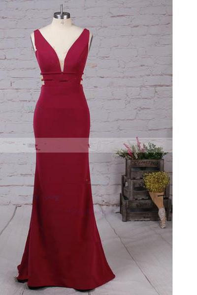 Sheath/Column V-Neck Tulle Elastic Woven Satin Sweep Train Red Long Prom Dresses